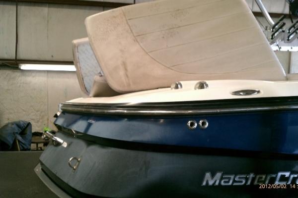 boat-interior-detail023F0DD1-FB63-DF89-387C-7602BC77035D.jpg